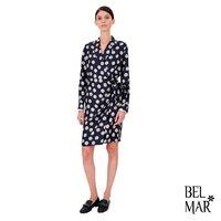 A @maxmara dress is always a good choice 😌  Check it out in our online shop! #maxmara #maxmaradresses #monogramlogo #wrapdress #navyblue #springsummercollection #lastdaysofspring #belmarfashion